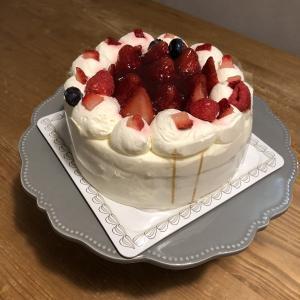 ネットで買ったケーキも美味しくいただけました