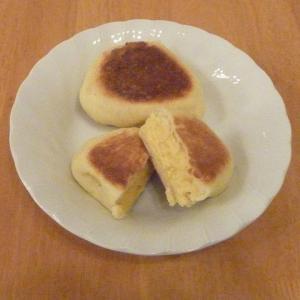今日の昼食(試作フライパンで作るクリームパン)
