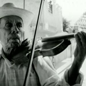 映画(20と)ひとつ、フランシスコ・バルガス監督『哀しみのバイオリン』