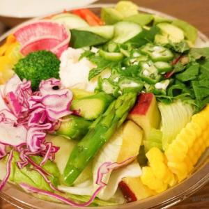 八百屋さんの自家製もりもり新鮮サラダ(@学芸大学)近所にできてほしいお店NO.1