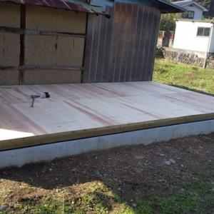 防蟻処理と床下地貼り