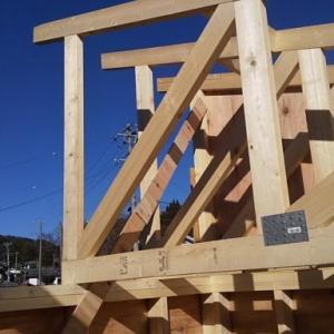 6畳間の屋根トラス設置