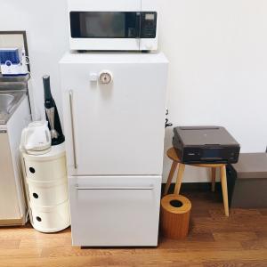 """未来予知能力があったら、冷蔵庫を買う時""""一人暮らしサイズ""""ではなくもう少し大きくしてもよかったなと思う。"""