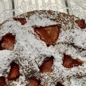 全粒粉を使ったイチゴのケーキ- La torta integrale alle fragole -