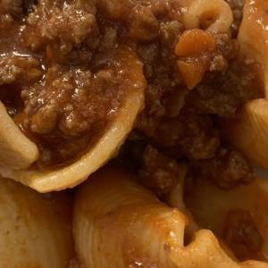 ミートソースのパスタ  - pasta al ragù -