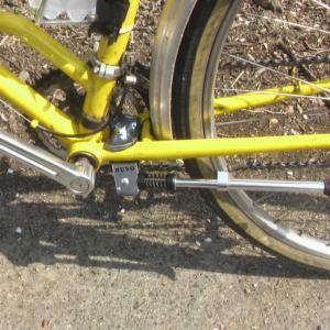 自転車にスタンドをつけたい