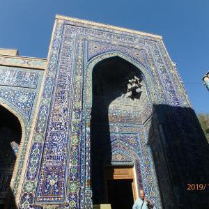 ウズベキスタン シャーヒ・ズィンダ廟群の続き