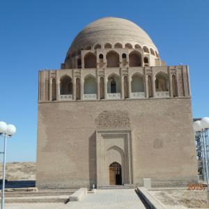 トルクメニスタン マーリ スルタンサンジャール廟