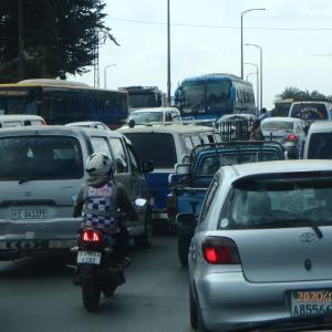 エチオピア アジスアベバ市内 車窓から