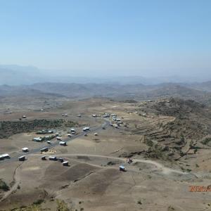 エチオピア ラリベラへ 大地溝帯に臨む