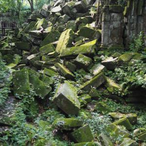 熊本城がまだ崩れ去っている状況を悲しむべきだというのは本当か?