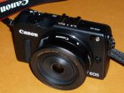Canon ミラーレスカメラ EOS M