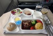 航空機の機内食と座席