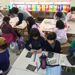 子どもに大人気!楽しい色鉛筆ワークショップを開催中